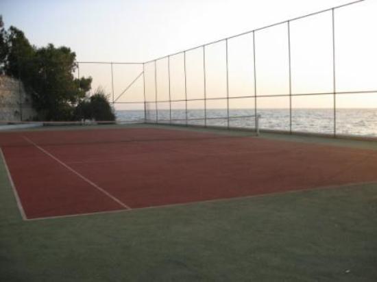 Kismet Hotel Tennis Court