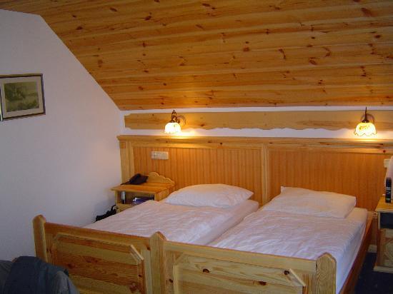 "Garni Hotel ""Berc"": Bedroom"