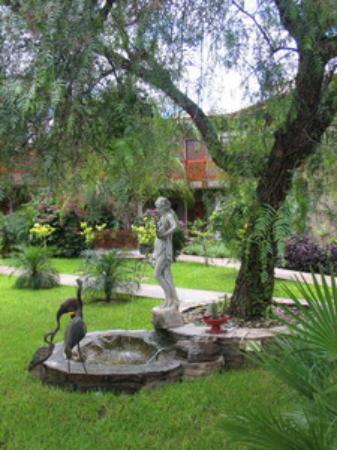 Hotel Heinitzburg: Garden View