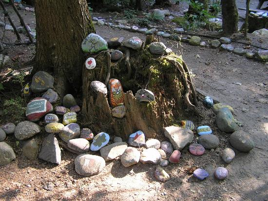 Paradise Valley Campground: Previous visitors Painted Rocks