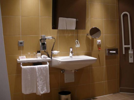Bathroom Picture Of Mercure Hotel Muenchen City Center Munich TripAdvisor