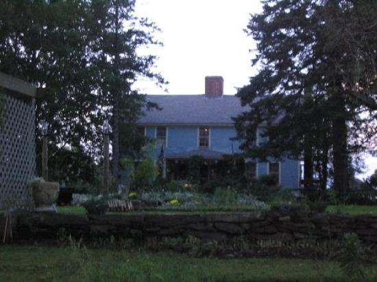 Roseledge Country Inn and Farm Shop : View of The House from The Street