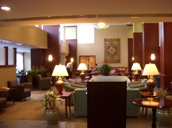 DoubleTree Club by Hilton Hotel Boston Bayside: Hotel Lobby