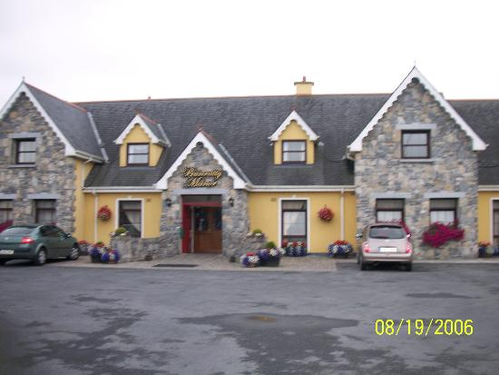 Bunratty Manor Hotel: front of hotel