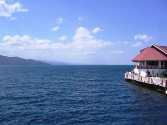 Hotel Ihusi: Le Snack-bar sur le lac Kivu.
