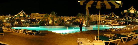 Vincci El Mansour: Pool by night