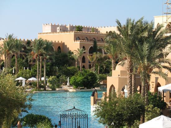 The Makadi Palace Hotel: view over pool