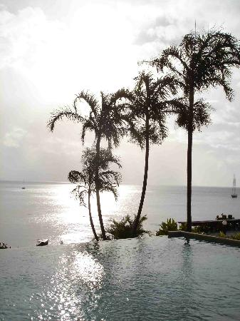 Taveuni Island Resort & Spa: The pool in the late afternoon