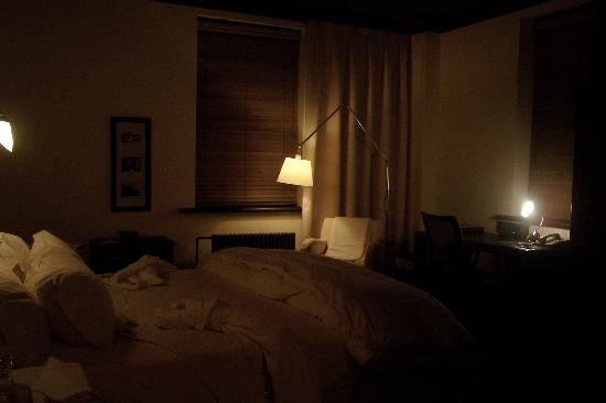 Hotel Le Germain Quebec: Such a romantic room.