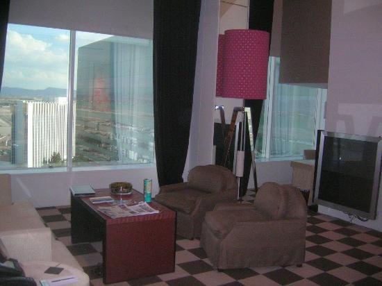Skylofts at MGM Grand Resmi