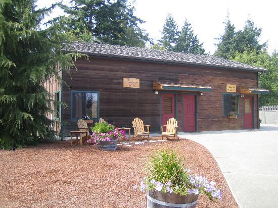 A Bandon Inn: cabin