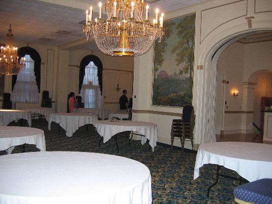 Inn On Broadway: Ballroom