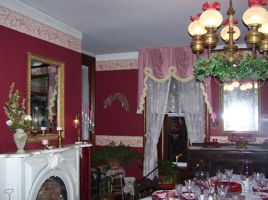 Gunckel Heritage Bed and Breakfast : Dining room at Gunckel B&B