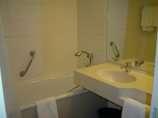 Novotel Paris Les Halles: Bathroom