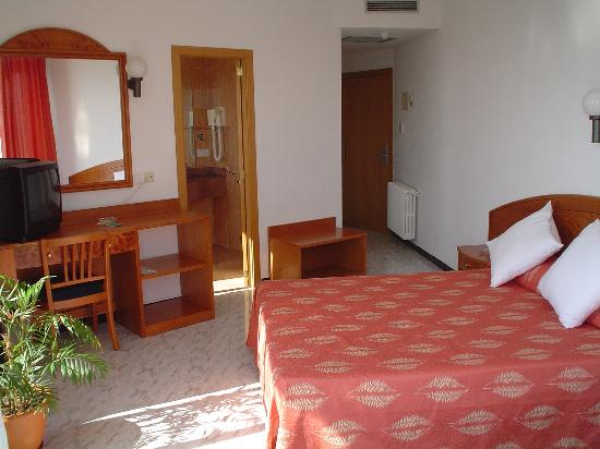 Hotel Amic Horizonte: Zimmer