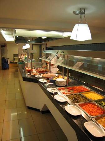 Invisa Hotel La Cala: Hot Buffet