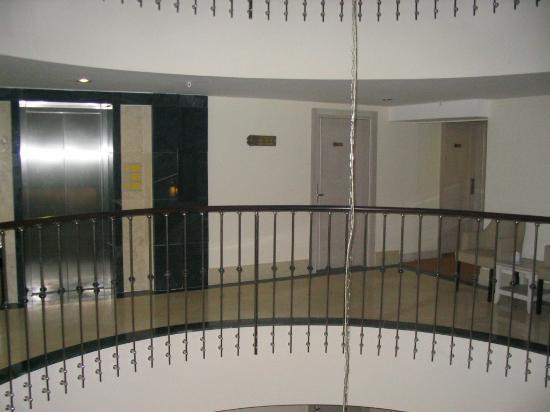 Side Star Park Hotel: Hotel Corridor.