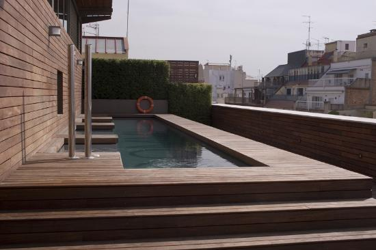 Hotel Omm: The pool