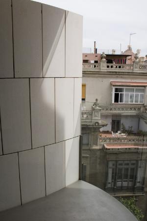 Hotel Omm: Balcony
