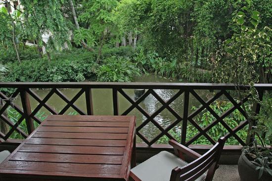 Anantara Hua Hin Resort: Balcony of the standard double room with garden view.