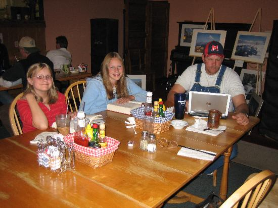 Notchtop Bakery & Cafe: enjoying the complimentary wireless internet access!