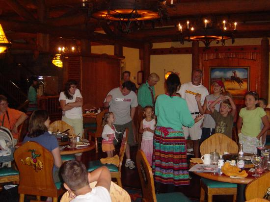 Disney's Wilderness Lodge: Entertainment at the Cafe