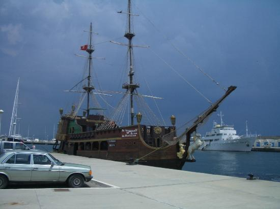 Hammamet Beach : Pirates Ahoy! Trips from Yasmin Hammamet!