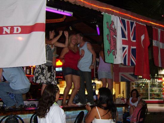 Club Sunsmile: dancing on the bar