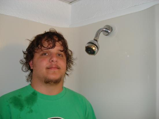 Indigo Inn: The shower head