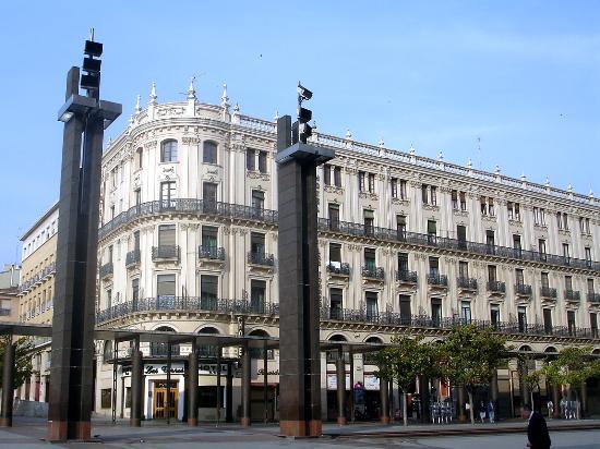 hotel plaza zaragoza: