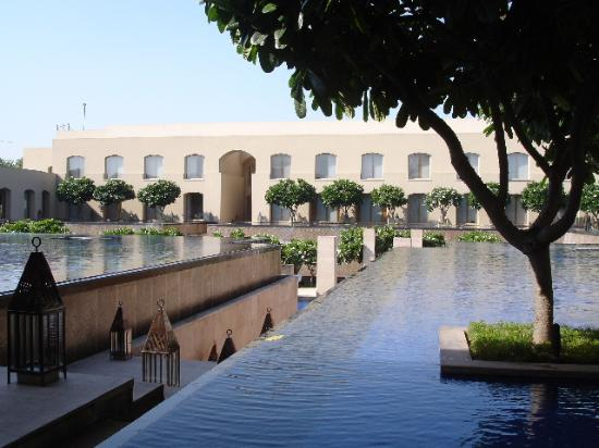 Trident, Gurgaon: Decorative pools