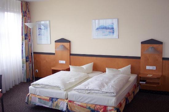 Victor's Residenz-Hotel Berlin-Tegel: Habitación