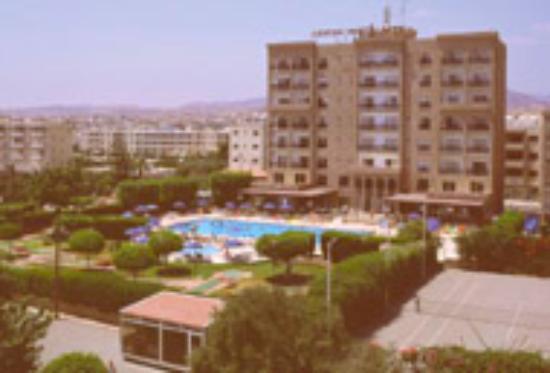 Castle Hotel Apts. Photo