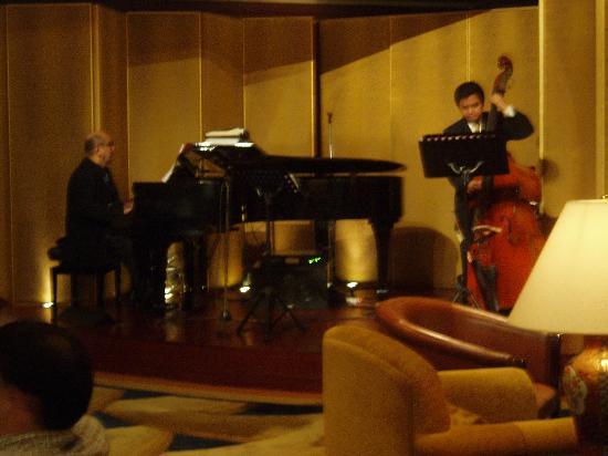 Kowloon Shangri-La Hong Kong: Evening Live Music in Lobby Lounge