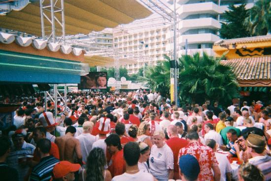 Sotavento Apartments: BCM Square for World Cup