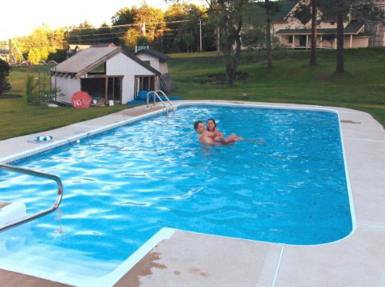 The Matterhorn Inn: swimming pool