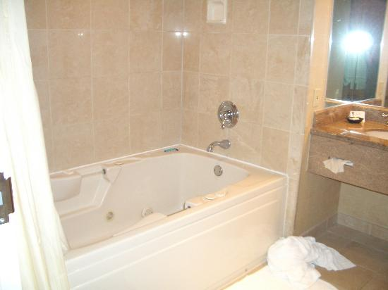 Horseshoe Bossier City: jacuzzi tub