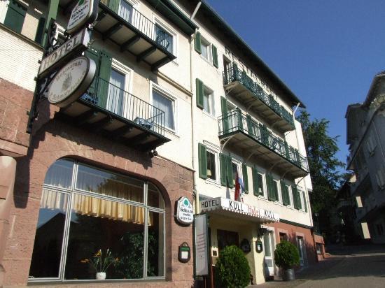 Kull von Schmidsfelden: Front of hotel