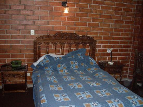 Hotel Esperanza: Comfy Bed