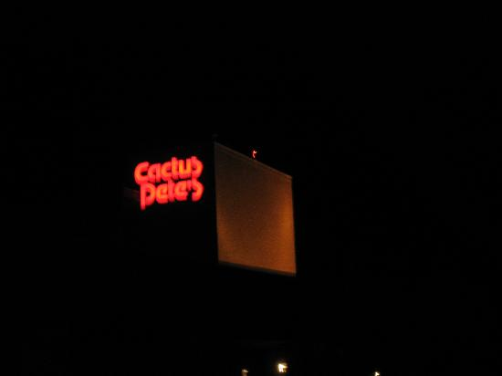 Cactus Petes Resort Casino: Cactus Pete's at night
