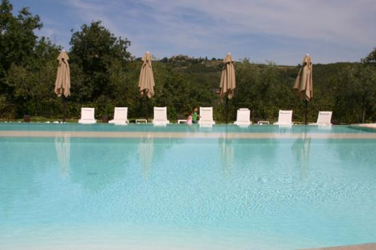 Le Case del Borgo: Very beautiful, but cold swimming pool