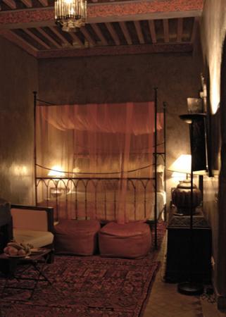 Dar Les Cigognes: The Atlas room