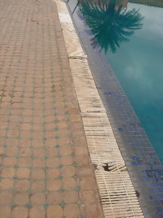 Hotel Club Campaville: piscine
