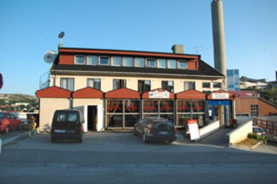 From the entrance side of Kirkenes Hotel