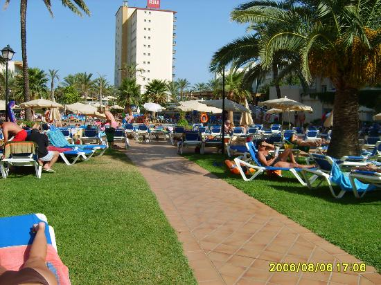 ClubHotel Riu Costa del Sol: La vue en allant à la piscine