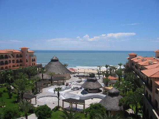 Royal Solaris Los Cabos: View from the balcony. Would have been stunning if the pool was open