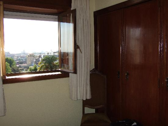 Residencial Rex : Antique furniture, nice view