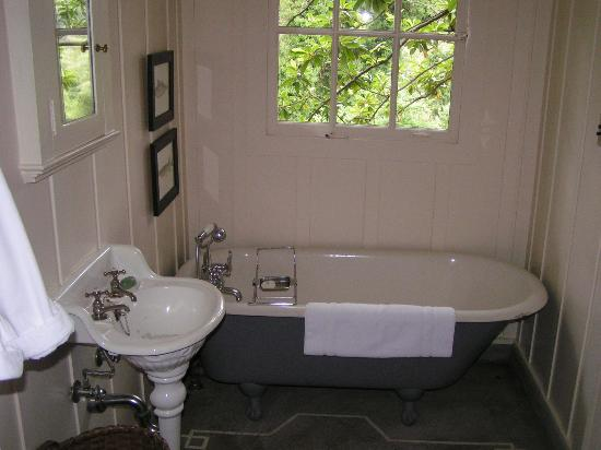Manka's Inverness Lodge: bathroom