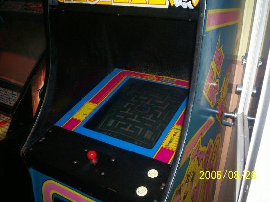 Comfort Inn Sandusky: they have a small arcade room