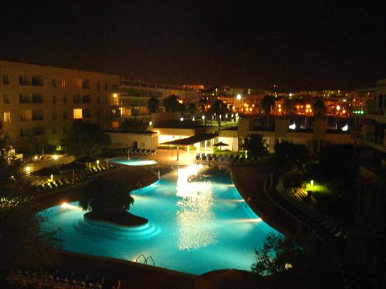 Marina Club Apartments II : Pool by night - beautifully serene